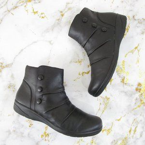 Clarks Black Leather Cheyn Anne Ankle Boots Bootie